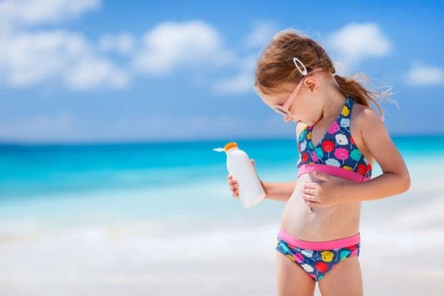 Солнцезащитные средства для грудного ребенка
