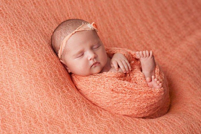 акне у новорожденных на лице