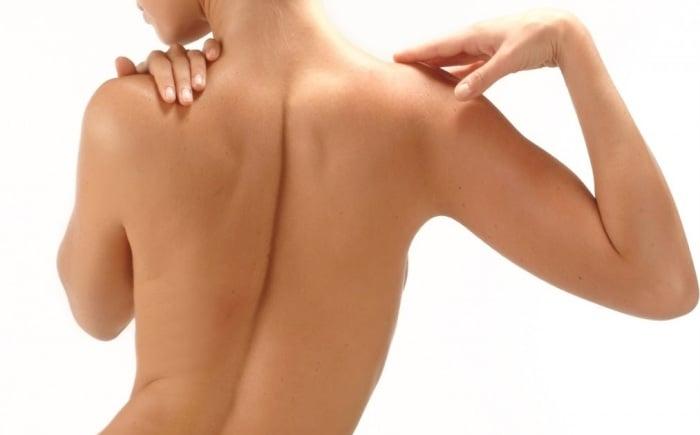 прямая осанка для подтягивания груди