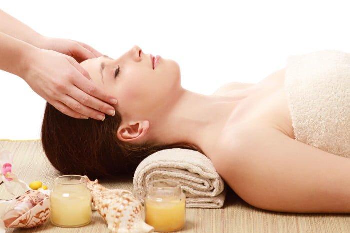 массаж головы при выпадении волос после родов
