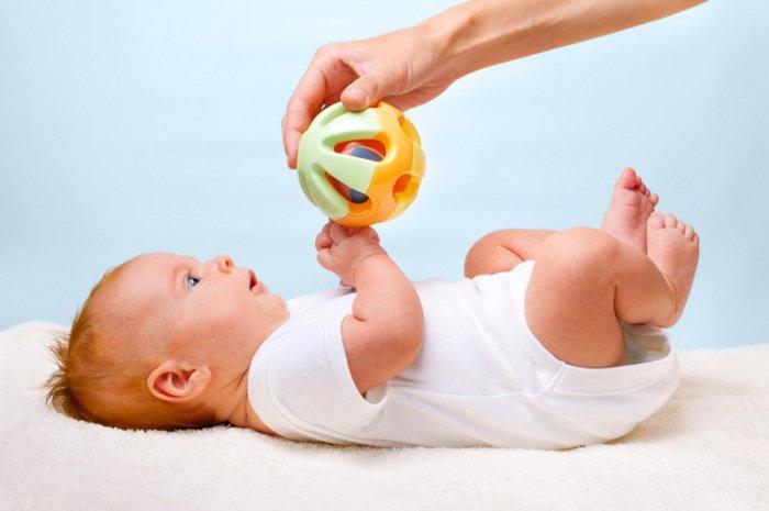 погремушка для новорожденного