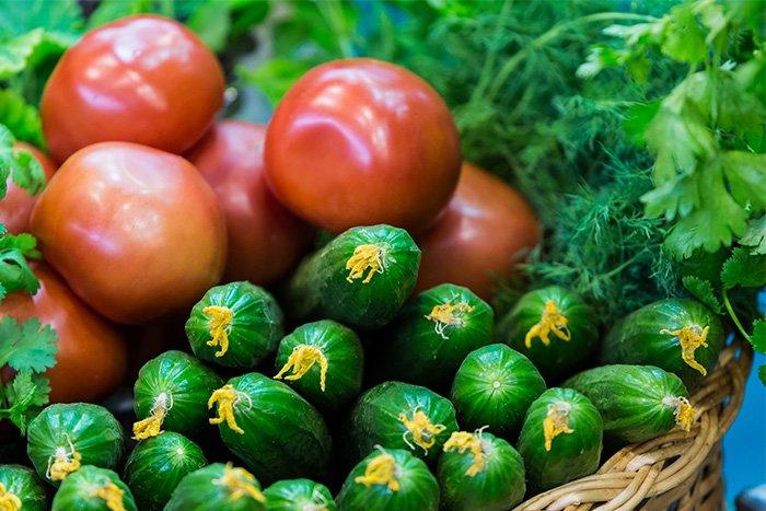 помидоры и огурцы ребенку в 1-2 года