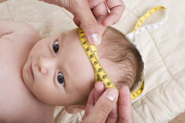 измерение головы грудничка