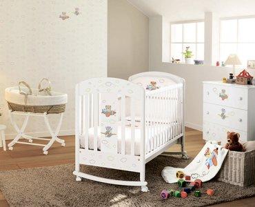 детская кроватка для малыша