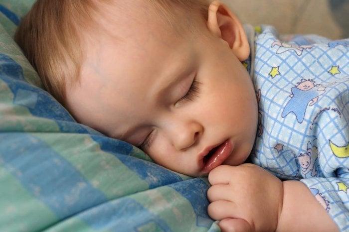 дыхание во сне у новорожденных