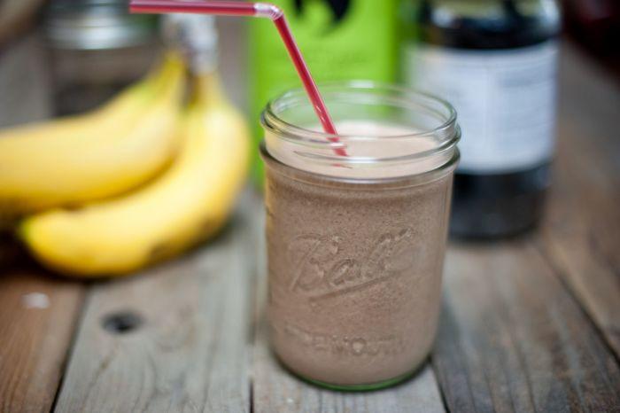 банан с молоком и какао от кашля