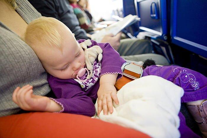 перелет с грудничком в самолете