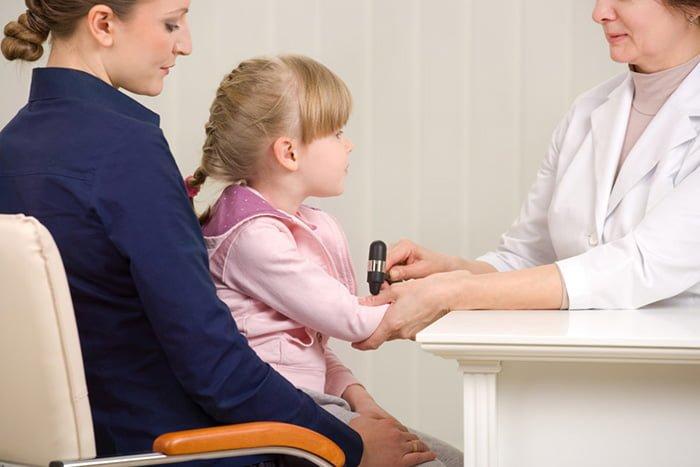посещение врача с ребенком
