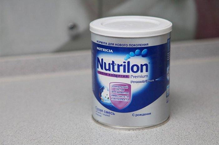 молочная смесь с первых дней жизни