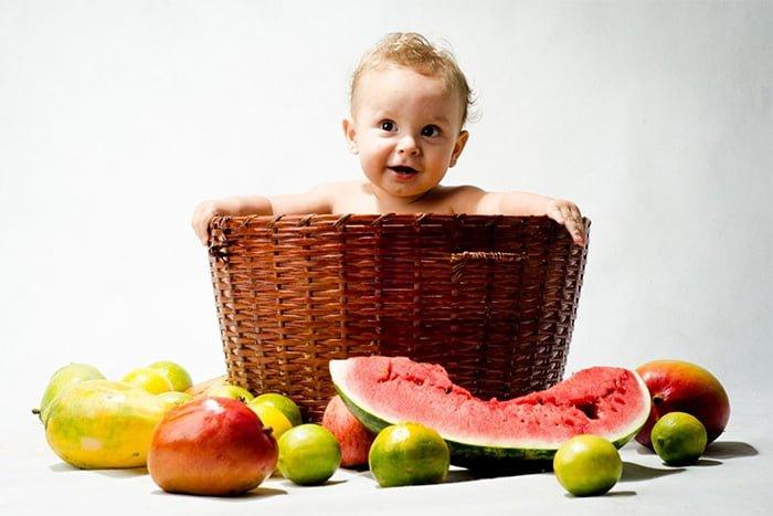 фрукты в меню ребенка