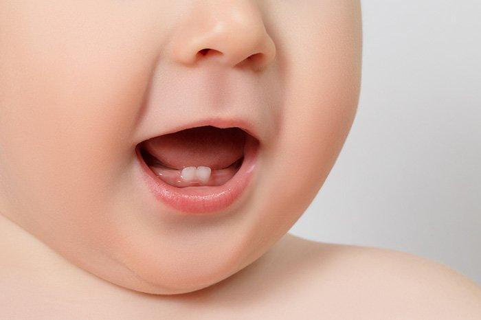 прорезывание молочных зубов у ребенка