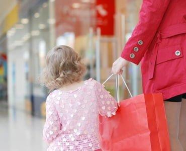 прогулка с ребенком по магазинам