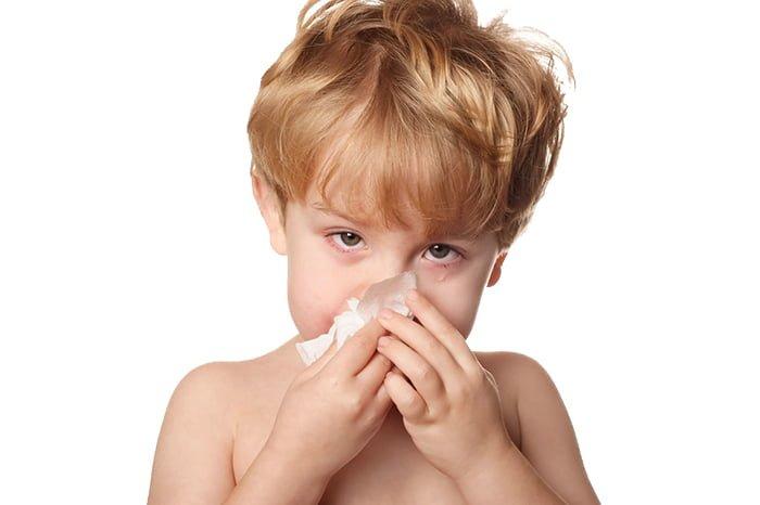 слезотечение и насморк у ребенка