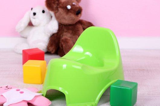 пластиковый горшок для ребенка