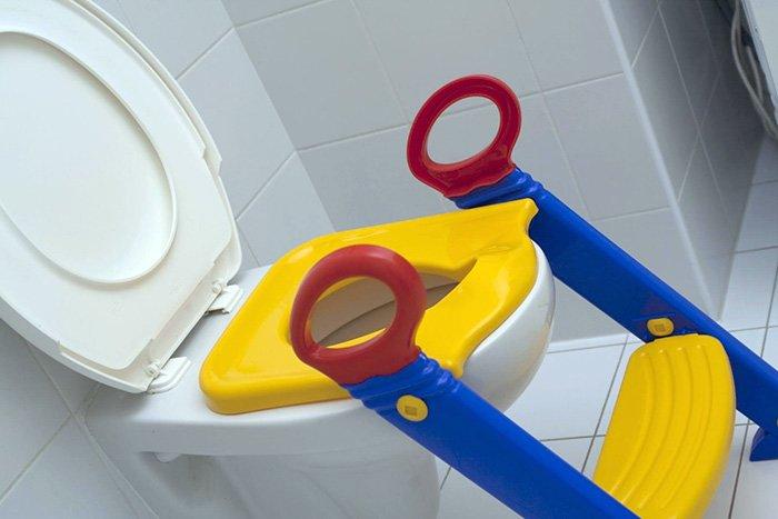 насадка на унитаз со ступенькой для детей