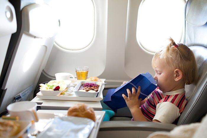 пакет для рвоты в самолете