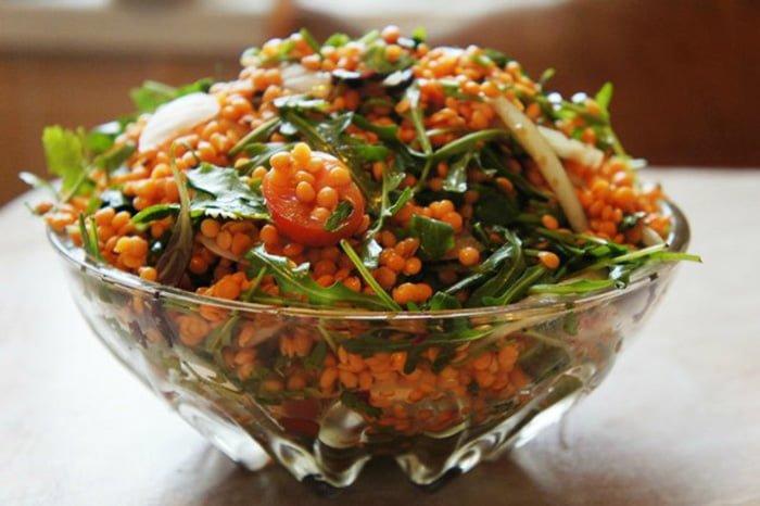 овощной салат с красной чечевицей