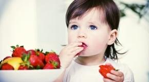 Когда можно клубнику и землянику детям
