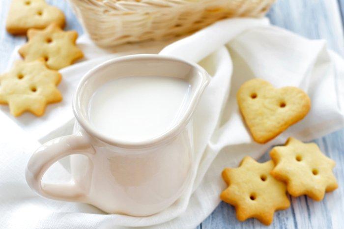 Йогуртовое печенье с кизилом