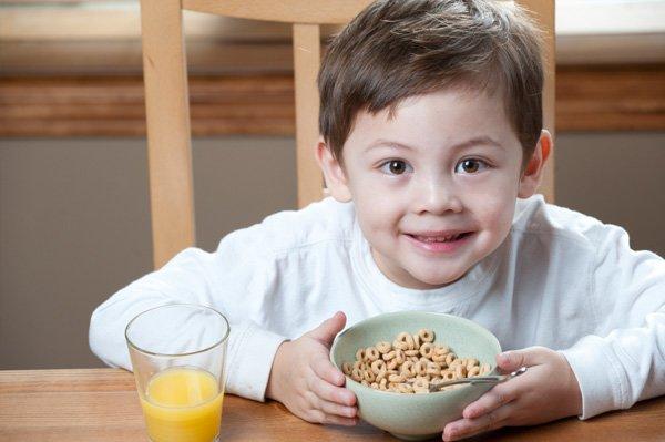 Можно ли сухие завтраки детям