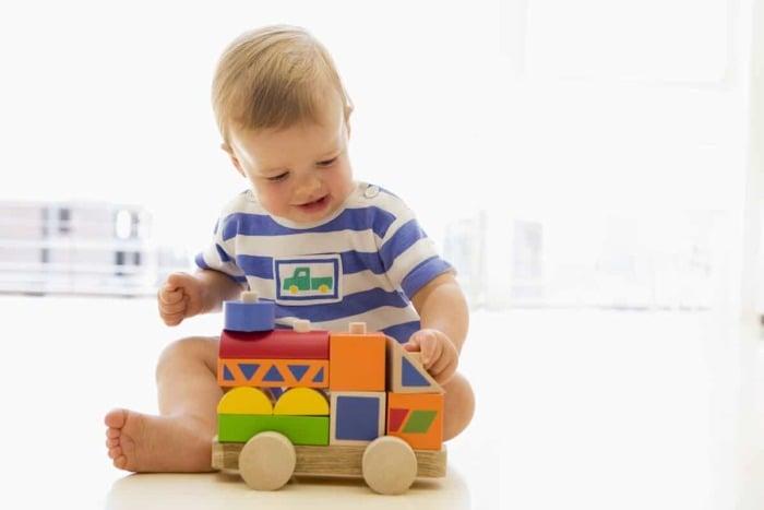 Сколько игрушек надо ребенку