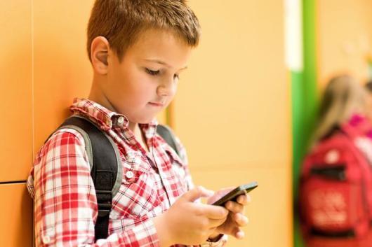 Как ребенка отучить от телефона